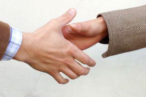 handshake-detail-284088-m 2